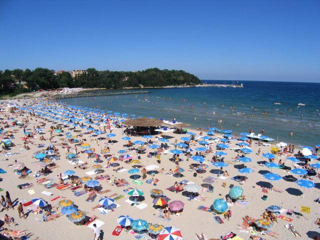 Морските кметове ще искат плажовете от министър Ангелкова