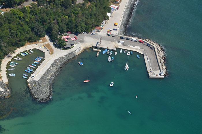 Приморско очаква да си получи пристанището от държавата